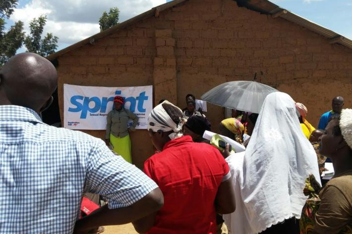 Australian Government officials visit IPPF-SPRINT camps in Uganda