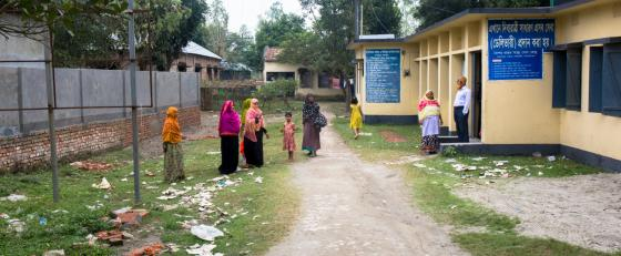women outside IPPF clinic in Bangladesh credits: IPPF/Victoria Milko/2018