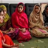 Young women discussing sexual and reproductive health in Pakistan